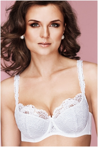 """""""Half-padded"""" Bra  with lace shoulder straps. Clfssic."""